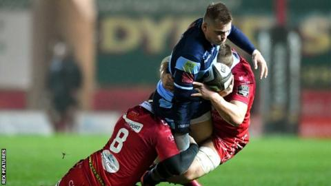 Cardiff Blues fly-half Gareth Anscombe scored a try and kicked 14 points