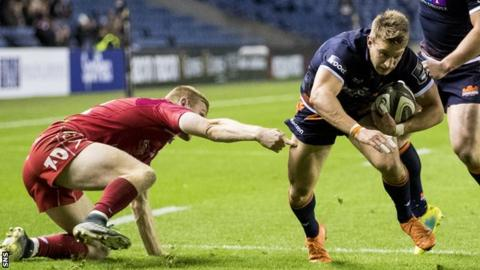 Tom Brown scores a try for Edinburgh against Scarlets