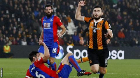 Robert Snodgrass goes down for a penalty