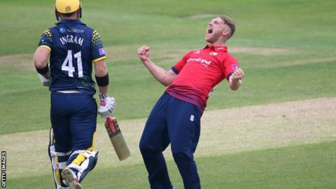 Jamie Porter of Essex celebrates dismissing Colin Ingram of Glamorgan with LBW during the Royal London One-Day Cup match between Essex and Glamorgan at The Essex County Ground