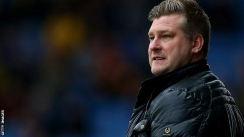 Oxford United head coach Karl Robinson