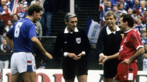George Smith: Former Fifa referee from Edinburgh dies aged 75