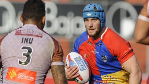 Matt Davis in action for London Broncos