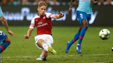 Emery calls on Arsenal youngsters to follow Smith Rowe example