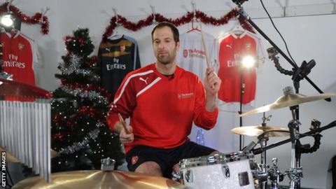 Petr Cech plays the drums in 2015