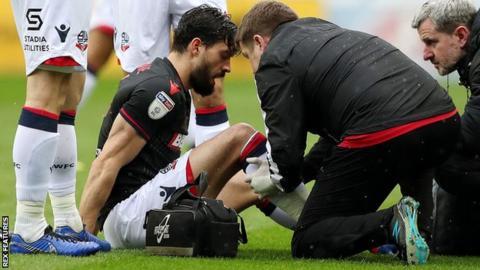 Jason Lowe injured