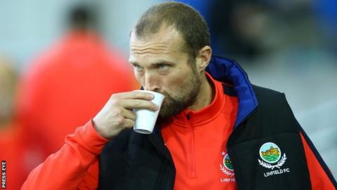 Linfield manager Warren Feeney