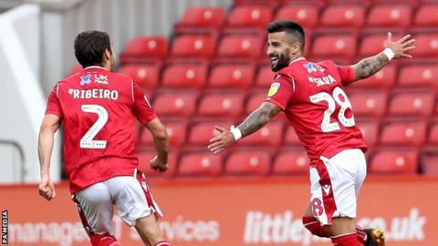 Nottingham Forest celebrate Tiago Silva's winner against Bristol City