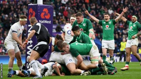 CJ Stander grounds the ball at the base of the post against England
