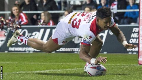 Ben Barba scores St Helens' first try against last year's Super League runners-up Castleford