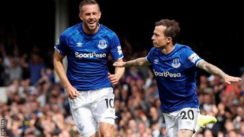 Bernard scores for Everton