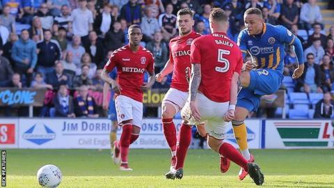Carlton Morris scores for Shrewsbury
