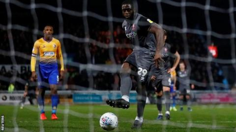 John Akinde scores for Lincoln City