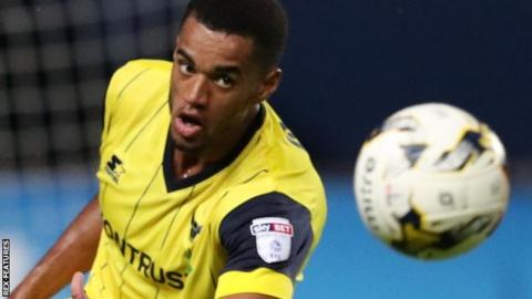 Oxford United central defender Curtis Nelson