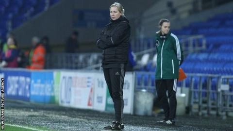 Jayne Ludlow on the touchline during Wales women's last qualifier