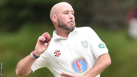 Chris Rushworth bowling for Durham
