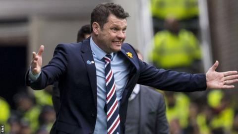 Graeme Murty in the Rangers technical area
