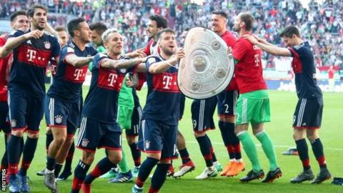 Bayern Munich wrap up record sixth straight Bundesliga title