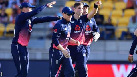 3rd ODI: England beat New Zealand by 4 runs