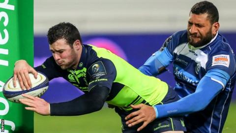 Robbie Henshaw touches down for the second of his two tries in the second half