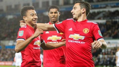 Manchester United midfielder Jesse Lingard (left)