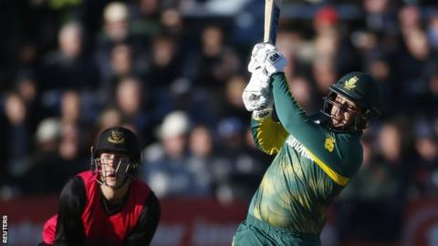South Africa's Quinton de Kock hits out against Sussex
