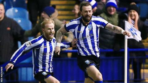 Steven Fletcher scores for Sheffield Wednesday