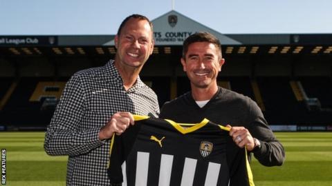 Notts County manager Harry Kewell (right) and chairman Alan Hardy