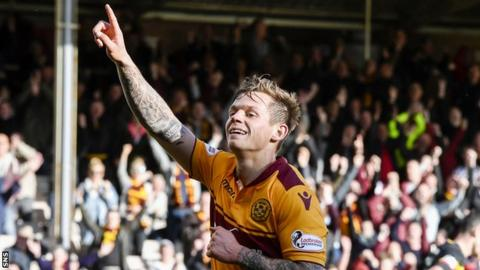 Motherwell midfielder Craig Tanner