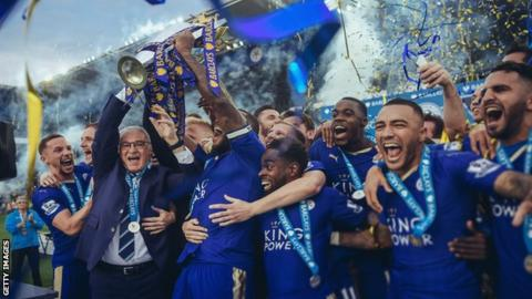 Leicester celebrate their title win in 2016