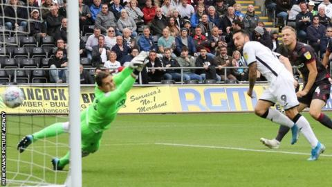 Borja puts Swansea ahead against Reading
