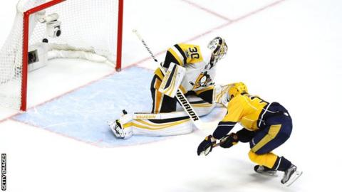 Viktor Arvidsson scores for Nashville Predators