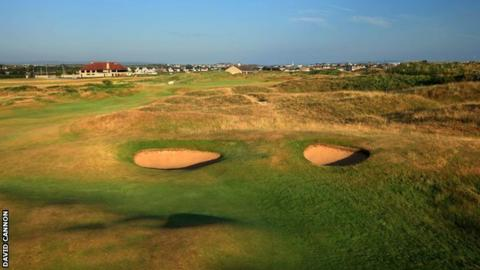 The view facing those attempting the approach shot to the 18th at Royal Portrush