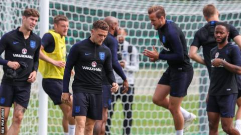 Southgate plays down row over leaked team selection
