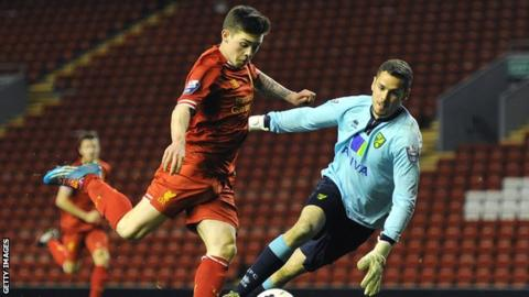 Remi Matthews in action for Norwich City Under-21s against Liverpool