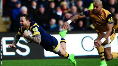 Francois Hougaard eases clear of Bristol winger Tom Varndell as he scores on only his fifth appearance of the season after injuring his shoulder on international duty