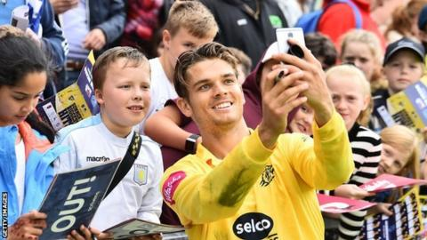 Bears new boy Chris Green made himself extra popular with the home fans at Edgbaston