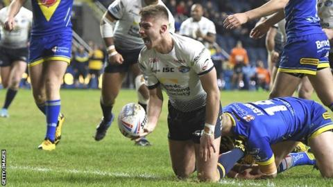 Jack Walker try for Leeds