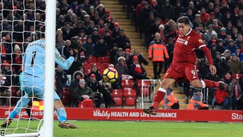 Roberto Firmino scores for Liverpool against Swansea