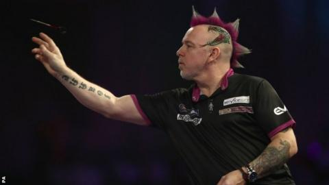 Michael van Gerwen moves into World Championship quarterfinals