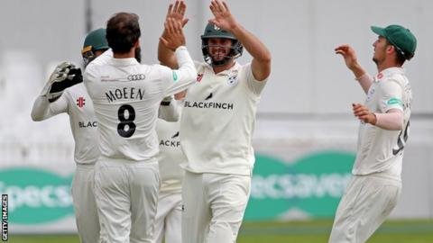 Worcestershire players celebrate a wicket