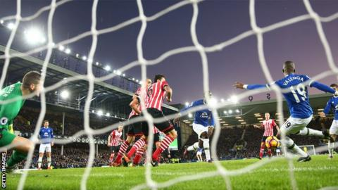 Enner Valencia scores for Everton against Southampton
