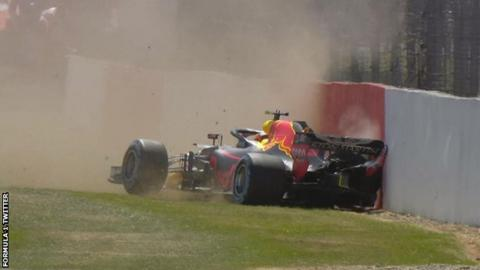 Verstappen crashes