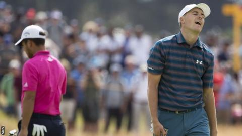 A different-looking Jordan Spieth makes his run at juicy British Open