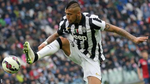 Juventus midfielder Arturo Vidal completes Bayern Munich switch