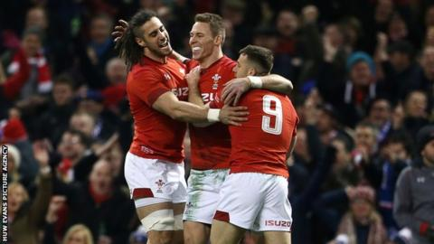Six Nations: Wales 14-13 France
