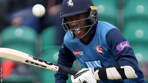 Daniel Bell-Drummond batting for Kent