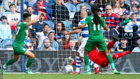 Callum Robinson equalises for Preston North End against QPR