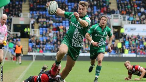 Alex Lewington scores a try against Cornish Pirates