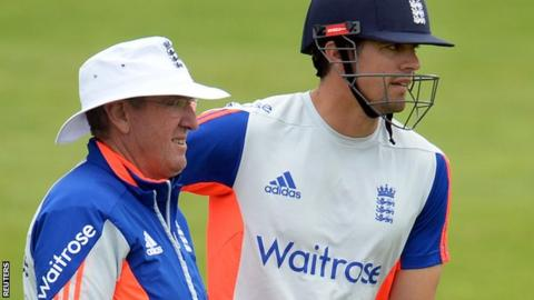 Trevor Bayliss (left) with Alastair Cook (right)